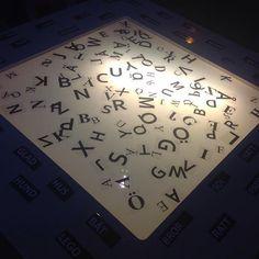 Arbeta med bokstäver! #förskola #ljusbord #lighttable #utforskande #pedagogik #bokstäver #inspirerande #lärmiljöer #reggioemilia #glömsta #vista #vårby #huddinge #preeschool #kindergarten