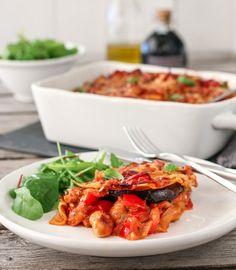 VEGETARLASAGNE MED AUBERGINE OG PAPRIKA Frisk, Pavlova, Kung Pao Chicken, Biscotti, Chorizo, Baking, Ethnic Recipes, Eggplant, Lasagna