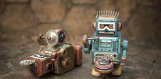 Tras 75 años, las tres Leyes de la Robótica de Isaac Asimov requieren de una actualización. Las leyes de Asimov todavía se mencionan como una plantilla para guiar nuestro desarrollo de los robots, pero necesitamos preguntarnos cómo podrían actualizarse estas reglas para una versión del siglo XXI de la inteligencia artificial.