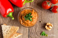Hummus is loaded with nutrients and helps fight illness and diseases. It increases energy, reduces inflammation and is great for digestive health. Hummus sounds like something we should eat every d… Lunch Recipes, Keto Recipes, Cetogenic Diet, Roasted Red Pepper Dip, Cooking Tips, Cooking Recipes, Fast Metabolism Diet, Appetisers, Mediterranean Recipes