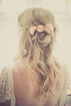 Boho Waves with Flowers in Hair Elegant Wedding Hair, Wedding Hair Down, Wedding Hair Flowers, Wedding Hair And Makeup, Wedding Updo, Flowers In Hair, Hair Makeup, Trendy Wedding, Wedding Beach