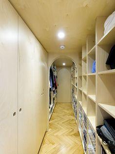 corridoio anche ad altezza armadi - secret room apartment — A1