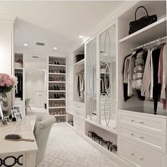 16 Dream Walk-In Closet Designs for Organized Home Walk In Closet Design, Bedroom Closet Design, Master Bedroom Closet, Closet Designs, Closet Rooms, Dressing Room Closet, Dressing Room Design, Dressing Rooms, Dream Closets