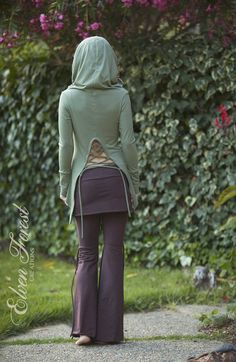 Cowl Hood Top with Lace Up Back por ElvenForest en Etsy