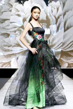 00a0660d5 Wei Lai S S 2013 fashion show in Beijing - Xinhua