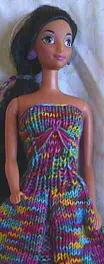 Crochet Toy Barbie Clothes free patterns for Barbie clothes :) I bet Destiny would love this Barbie Knitting Patterns, Knitting Dolls Clothes, Barbie Clothes Patterns, Crochet Barbie Clothes, Doll Clothes Barbie, Barbie Dress, Knitted Dolls, Clothing Patterns, Barbie Doll