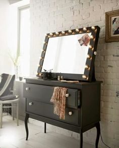 Can't wait to get my #black #glamourpuss #mirror for my #boudoir !  reflectionsofme.co.uk