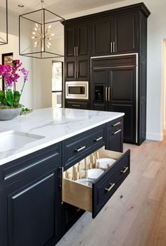 The Best Cabinets for Your Kitchen - Kitchen Remodel Ideas - Black, White and Gold Transitional Kitchen with European White Oak Floors. Home Decor Kitchen, Interior Design Kitchen, New Kitchen, Kitchen Designs, Kitchen Ideas, Awesome Kitchen, Kitchen Modern, Apartment Kitchen, Kitchen Layout