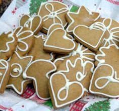Perníčky, co nepotřebují uležet Gingerbread Cookies, Holiday, Christmas, Sweets, Creative, Food, Gingerbread Cupcakes, Xmas, Vacations