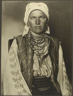 U.S. Ruthenian immigrant woman, Ellis Island, NYC, early 1900's.