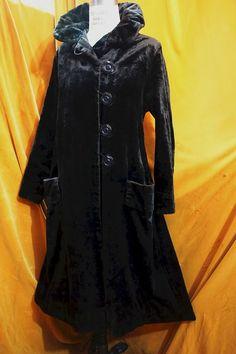 Antique Vintage  authentic Victorian Edwardian velvet (plush) winter coat