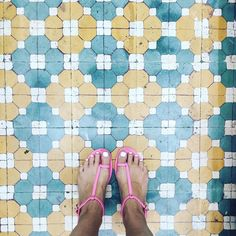 Blue Skies Smiling At Me Nothing But Blue Skies Do I See. #igers#instagood#ihaveathingwithfloors#ihavethisthingwithtiles#ihavethisthingwithfloors#carrelage#design#feet#fwis#floors#fromwhereistand##lookyfeets#lookingdown#pattern#perspective#selfeet#shoefie#singaporegypsy#tiles#tileaddiction#viewfromthetop#sandals#summer by singaporegypsy