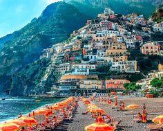 Great Beach (Spiaggia Grande) in Positano, Amalfi Coast, Italy: http://beachblissliving.com/positano-beach-amalfi-italy/ Spiagga Grande (Great Beach).