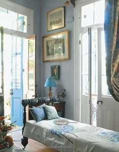 HOME: Blue and white room in New Orleans - Richard Keith Langham. New Orleans Homes, New Homes, Creole Cottage, Cottage Style, Interior And Exterior, Interior Design, Interior Doors, Ivy House, Blue Rooms
