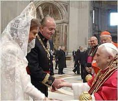 King Juan Carlos and Queen Sofia greet Pope Benedict XVI at the Vatican.