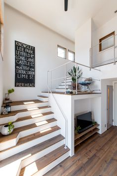 20 creatively industrial interior design ideas for house or office 16 Industrial Interior Design, Industrial Interiors, Contemporary Interior Design, Home Interior Design, Interior Architecture, Interior Decorating, Exterior Design, Escalier Design, Interior Stairs