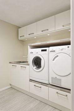 - Laundry rooms along with mudrooms don't often get the interest they ought to have, which can be unusual considering exactly how frequently they're put. laundry room ideas layout 99 Fancy Laundry Room Layout Ideas For The Perfect Home Ikea Laundry Room, Laundry Room Layouts, Laundry Room Remodel, Laundry Room Cabinets, Laundry Closet, Laundry Room Organization, Diy Cabinets, Laundry Shelves, Laundry Bags
