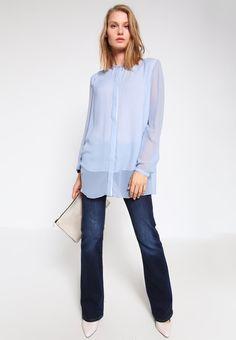 ¡Cómpralo ya!. talkabout Blusa ice blue. talkabout Blusa ice blue Ofertas   | Material exterior: 100% seda | Ofertas ¡Haz tu pedido   y disfruta de gastos de enví-o gratuitos! , blusas, blusa, blusón, blusones, blouses, blouse, smock, blouson, peasanttop, blusen, blusas, chemisiers, bluse. Blusas  de mujer color azul claro de talkabout.