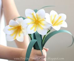 DIY Paper Easter Lilies #silhouettedesignteam