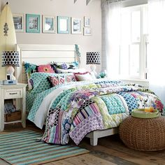 Gorgeous quilt & styling...