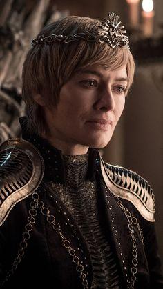 "All the Photos From Game of Thrones Season 8 : Cersei Lannister in Game of Thrones Season Episode ""Winterfell"" Game Of Thrones Cersei, Game Of Thrones Facts, Game Of Thrones Costumes, Game Of Thrones Funny, Game Of Thrones Westeros, Lena Headey, Khal Drogo, Orphan Black, Valar Morghulis"