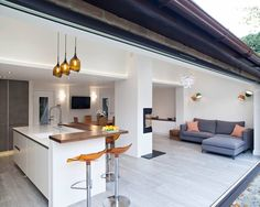 Kitchen Living Room Modern Living Space by Sue Murphy Interior Design - This project is a modern living space designed by Sue Murphy Interior Design based in Harpenden, Hertfordshire. Kitchen Family Rooms, Open Plan Kitchen Dining, Interior Design Kitchen, Open Plan Kitchen Living Room, Farmhouse Style Kitchen, Open Plan Kitchen Diner, Kitchen Layout, Kitchen Style, Kitchen Design