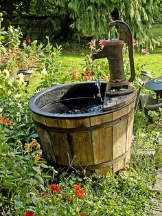 oldfashioned water well by gdraskoy, via Flickr