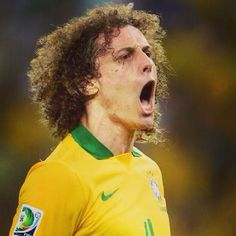 Viva @davidluiz_4 !  #regram @revistaestilo
