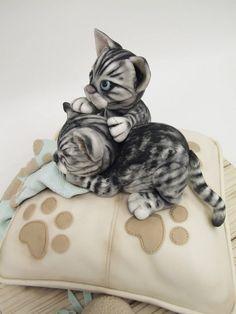 Edible Art, Cats on a Pillow Cake. ★ More on #cats - Get Ozzi Cat Magazine here >> http://OzziCat.com.au ★