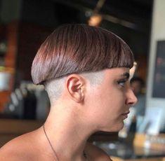 Ideas Haircut Short Hair Bowl Cut For 2019 Bowl Haircuts, Haircuts For Wavy Hair, Short Bob Haircuts, Cool Hairstyles, Haircut Short, Medium Hair Cuts, Short Hair Cuts, Short Hair Styles, Page Haircut