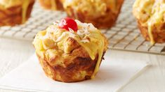 From sweets that taste like they came straight from the bakery to savory breakfast cups, check out these genius Pillsbury Bake-Off® Contest finalist recipes in the Cozy Weekend Breakfasts category. Breakfast Cupcakes, Breakfast Buffet, Savory Breakfast, Breakfast Muffins, Breakfast Recipes, Breakfast Ideas, Muffin Tin Recipes, Cupcake Recipes, Dessert Recipes