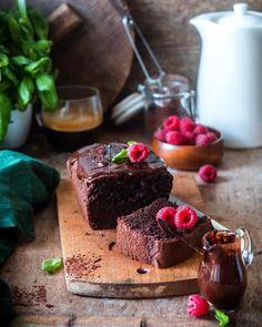 3,911 отметок «Нравится», 89 комментариев — Irina Meliukh (@saharisha) в Instagram: «Moist chocolate cake 🍫 Этот кекс я обычно пеку, когда жду кого-то в гости и что-то другое испечь не…»