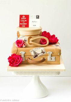 Stunning Vintage luggage wedding cake by Alma Pasteles Pretty Cakes, Beautiful Cakes, Amazing Cakes, Fondant Cakes, Cupcake Cakes, Luggage Cake, Travel Cake, Gateaux Cake, Sugar Cake