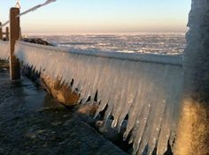 Ice on Texel by @SanneTexel