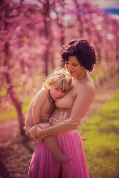breastfeeding portrait mother child bond photography www.blee-photo.com Nursing Photography, Nude Photography, Newborn Photography, Breastfeeding And Pumping, Pregnancy Photos, Babe, Mother And Baby, Being A Mom, Family Pictures