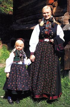 FolkCostume&Embroidery: Overview of Norwegian Costumes, part 2. The eastern heartland. Lower Numedal, Flesberg