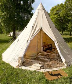 Lasst uns im Herbst campen, um das Innere zu genießen. Eisbär-新定番になりつつあるアウトドアスタイル。インテリアを楽しむように秋キャンプをしよう。 Heute ist Ende August, die Campsaison auf See ist endlich vorbei Verschiebung ins Berglager […] … - Teepee Play Tent, Hammock Tent, Diy Tent, Canopy Tent, Tent Camping, Outdoor Camping, Camping Gear, Outdoor Style, Canvas Wall Tent
