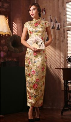Folk floral rose red brocade traditional Chinese wedding dress: Floral brocade (graphic placement won't be identical with the product image); available in blue, red, gold and rose red; Oriental Dress, Oriental Fashion, Asian Fashion, Chinese Wedding Dress Traditional, Traditional Dresses, Chinese Gown, Chinese Dresses, Mandarin Dress, Mandarin Collar