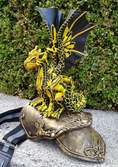Custom Shoulder Dragon Made to Order Ask for Availability Dragon 2, Dragon City, Fantasy Dragon, Anubis, Clay Monsters, Got Dragons, Polymer Clay Dragon, Bright Art, Dragon Jewelry