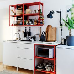Show-stopping flexibility | IKEA Indonesia Kitchenette, Open Plan Kitchen, New Kitchen, Dark Wooden Floor, Compact Living, Natural Wood Finish, Cookware Set, Apartment Interior, Extra Storage