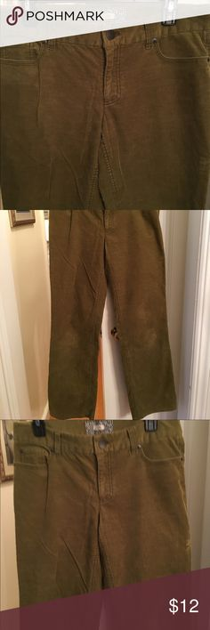 J CREW CORDEROY PANTS SIZE 8 REG BOOTCUT J CREW CORDEROY PANTS SIZE 8 regular BOOTCUT. GREAT Loden green color. Maybe worn once or twice. Original price $59.50 J CREW Pants Boot Cut & Flare