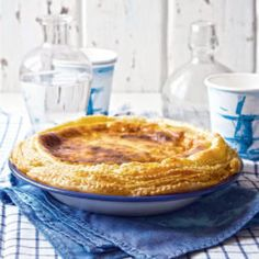 This proper milk tart recipe is perfect for those who want a tart with a collar. The double puff pastry frill is sure to impress your tea-time guests. Custard Recipes, Tart Recipes, Sweet Recipes, Cookie Recipes, Dessert Recipes, Desserts, Quiche Recipes, Cheesecake Recipes, Milktart Recipe