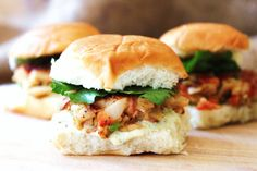 Crab cakes, oh how I love thee. Crab Cake Sliders, oh how I love thee more! These delicious crab cake sliders for ages and they never disappoint. Seafood Dishes, Seafood Recipes, Cooking Recipes, Homemade Tartar Sauce, Tarter Sauce, Marijuana Recipes, Slider Recipes, Crab Cakes, Sliders