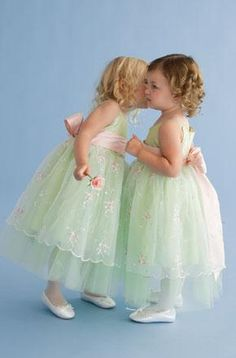 Vianovia - Vestidos de novia - Trajes de novia - Vestidos de fiesta ...