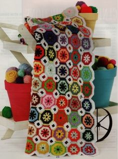 Great Grannies http://www.maggiescrochet.com/great-grannies-p-1361.html #afghan #granny #square #crochet