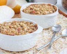 Bowl cake pomme, raisins secs, amande, noix et noisette : http://www.fourchette-et-bikini.fr/recettes/recettes-minceur/bowl-cake-pomme-raisins-secs-amande-noix-et-noisette.html