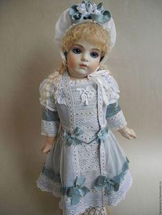 Одежда для кукол ручной работы. Шелковое платье для антикварной куклы. Ирина Тарасова (tarasovaira). Интернет-магазин Ярмарка Мастеров. Белый