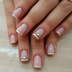 25 modelos de francesinha para unhas Bow Nail Designs, Pretty Nail Designs, Diy Nails, Cute Nails, Gold Glitter Nails, Pretty Nail Colors, Bride Nails, Elegant Nails, Perfect Nails