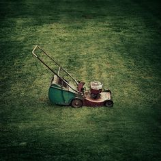 Vintage / Retro / Lawnmower / Grass by ►CubaGallery, via Flickr