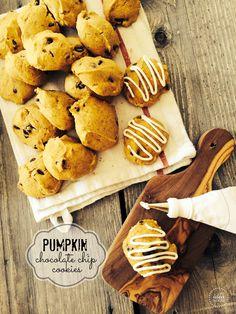 Pumpkin Chocolate Chip Cookies Recipe | theidearoom.net   #pumpkin #cookies